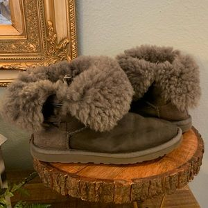 Ugg gray size 6 bootie